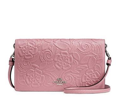 COACH Mercer 粉色印花挎包162.4-172.25加元,原价 290加元,包邮