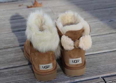 UGG Arielleb 短款 蝴蝶结雪地靴 149.99加元(3色),原价 210加元
