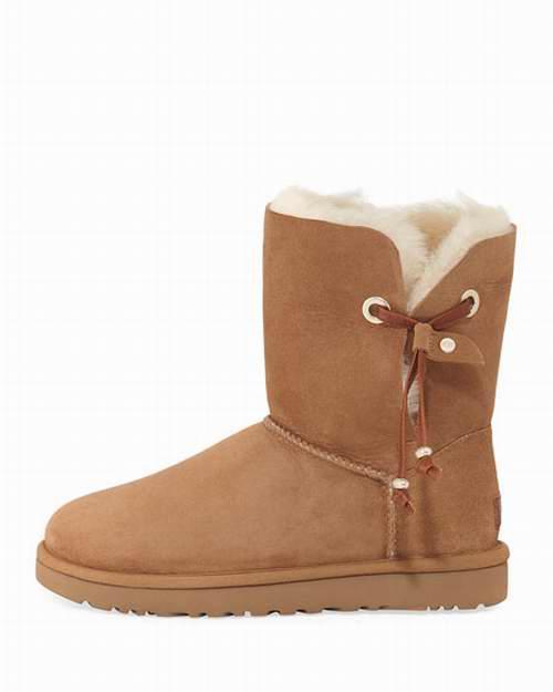 UGG Maia 女款侧面绑带雪地靴 169.99加元,原价 245加元