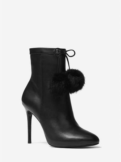 MICHAEL KORS Remi Pom-Pom 绒球踝靴 149加元,原价 298加元,包邮