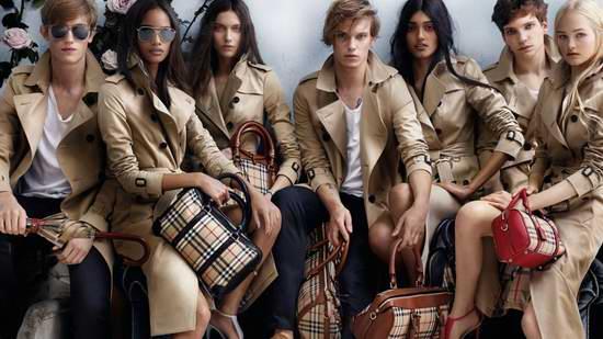 精选多款 Burberry 男女时尚英伦风格子围巾、风衣、防寒服、美包、鞋靴等5.6折起!