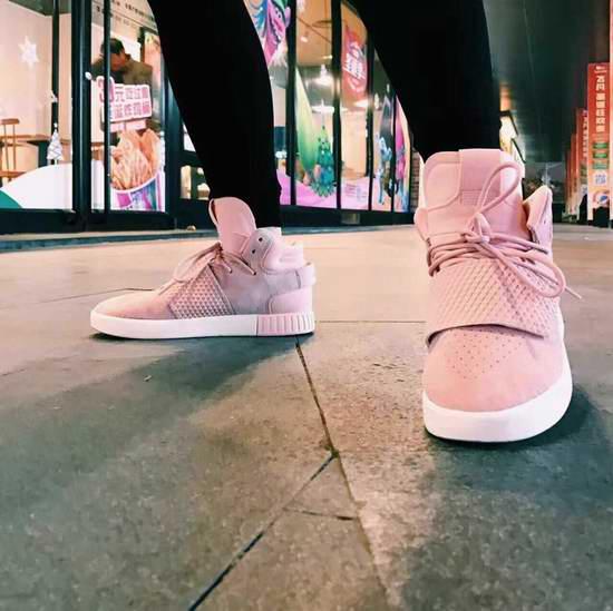 Adidas Tubular Invader Strap 女式粉红复古运动鞋 32.47加元包邮!