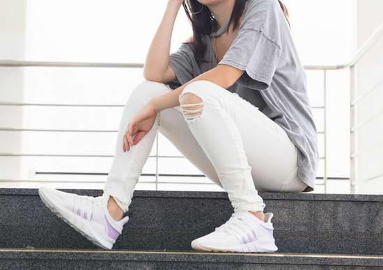 水原希子、陈奕迅同款!人气潮鞋 Adidas EQT Support ADV 女式小白鞋3.4折 54.97加元包邮!