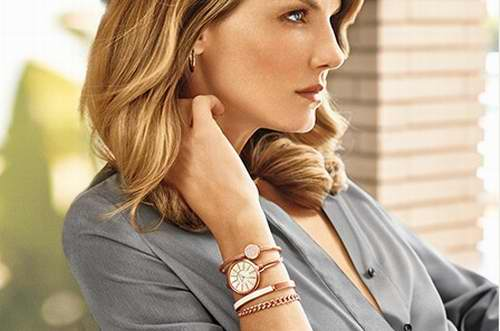 Anne Klein AK/1470女士施华洛世奇水晶腕表套装 112.24加元,原价 225加元