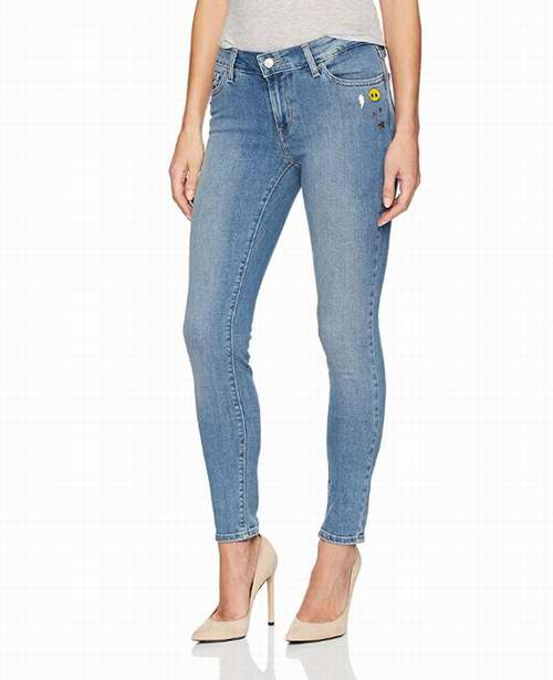 $32.79 (was : $89.95) Levi's Women's 711 Skinny