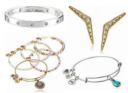 金盒头条:精选90款 Michael Kors、GUESS 等品牌时尚手镯、耳环、项链等5折起!售价低至12.33加元!