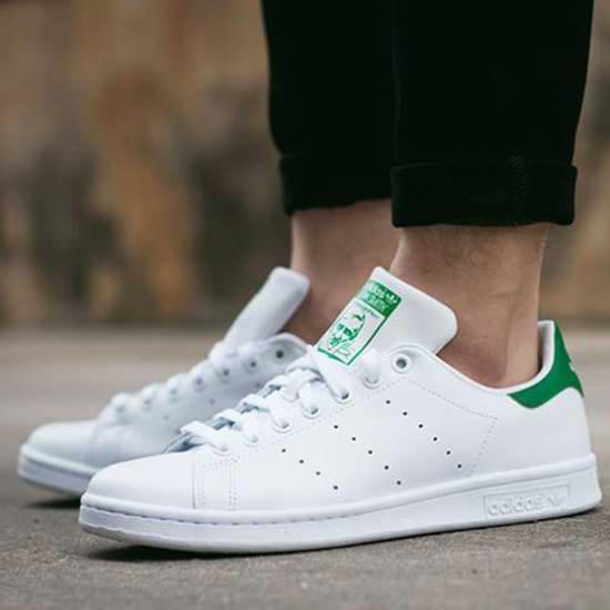 精选 Adidas 阿迪达斯 Stan Smith 成人儿童时尚小绿鞋全部6折!无卡用户全场额外7.5折!折后低至36加元!