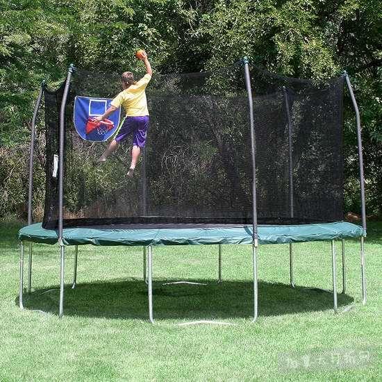 历史新低!Skywalker Trampolines Jump N' Dunk 12英尺带保护罩+篮球框 绿色封闭蹦床6.2折 245.08加元包邮!