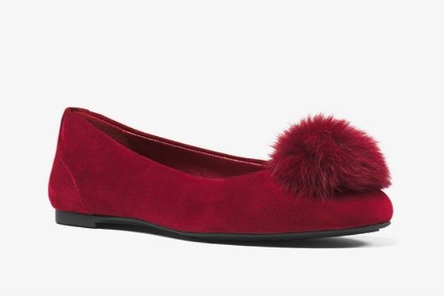 Michael Kors Remi Pom-Pom绒球绒面革芭蕾平底鞋 51.75加元(2色),原价 158加元