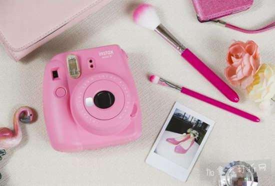 Fujifilm Instax Mini 9 拍立得相机 69.99加元(7色),原价 89.95加元,包邮