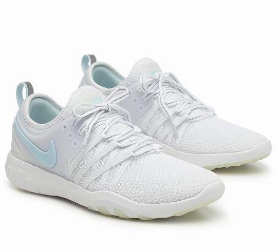 精选Nike女款运动鞋 、运动服饰 5折起特卖+包邮!