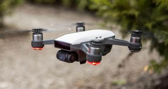 历史新低!DJI 大疆 CP.PT.000899 Spark 航拍无人机+遥控器套装5.3折 499加元包邮!4色可选!