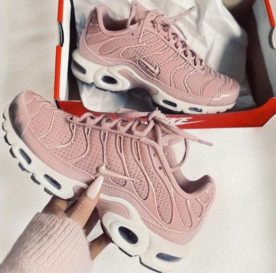 速收Air Max系列!精选 Nike 耐克 男女时尚运动鞋4.5折起,额外9折!正价男女运动鞋全部6.7折!
