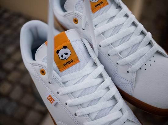 DC Shoes 季末清仓!精选时尚板鞋、休闲鞋、运动鞋、服饰等4.8折起!额外6折!图示款熊猫鞋3.7折 32.99加元!仅限今日!