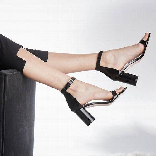 Stuart Weitzman夏日清仓!精选女鞋3.3折起!柳钉鞋低至125加元!