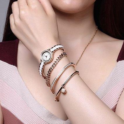 手慢无!历史新低!Anne Klein AK/1954RGST 玫瑰金 施华洛世奇水晶 女士腕表+手镯套装3.2折 82.12加元清仓并包邮!