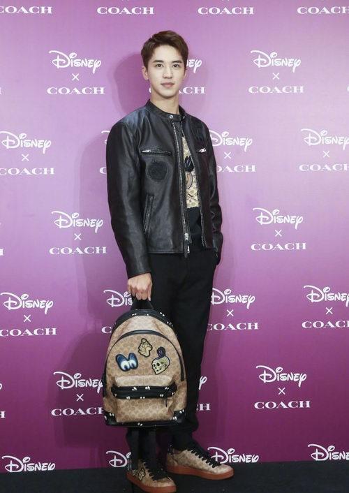 2018新款Coach x Disney暗黑童话系列上市!入许魏洲同款双肩包!