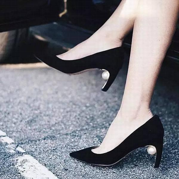 时髦仙女们都爱Nicholas Kirkwood最有心机珍珠鞋 5.5折 369加元起特卖!