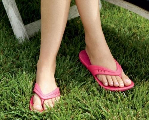 精选1000款 Crocs、Skechers、Clarks等品牌鞋 13.99加元起+额外7折优惠!