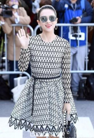 Maje蕾丝连衣裙、短裙、上衣 4折起+满最高立减250加元!入章子怡同款连衣裙!