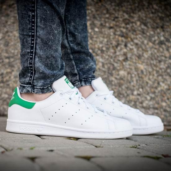 手慢无!adidas Originals Stan Smith 女式白色真绿尾小白鞋 69.95加元包邮!全降价!