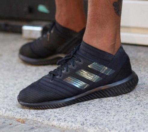 adidas Nemeziz Tango 18.1 足球鞋/ 户外运动训练鞋 68.97加元,原价 150加元,包邮