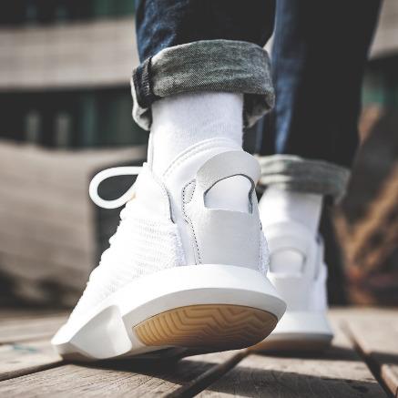 adidas Originals Crazy 1 ADV 充满未来感 男士编织套袜运动鞋 83.97加元,原价 240加元,包邮