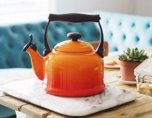 精选3款 Le Creuset Kone 珐琅铸钢茶壶/鸣响烧水壶 95.2加元(13色),原价 160加元