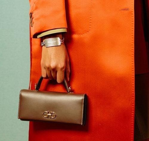 精选Balenciaga、3.1 Phillip Lim、Salvatore Ferragamo等品牌美包 5.4折 613加元起限时特卖!