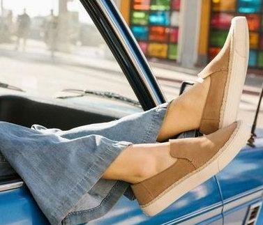 新款加入!Toms 上脚超舒适 印花帆布鞋 6.2折起特卖!