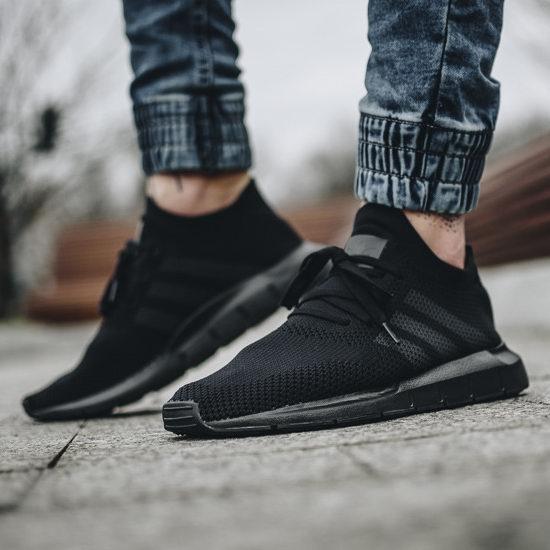 历史新低!adidas Originals Swift Run Primeknit 男士黑色复古跑鞋4.4折 70加元包邮!码齐全降!