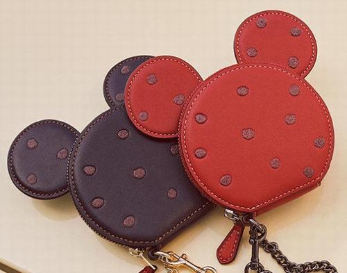 Disney x Coach联名款系列可爱美包、配件 5折起优惠!