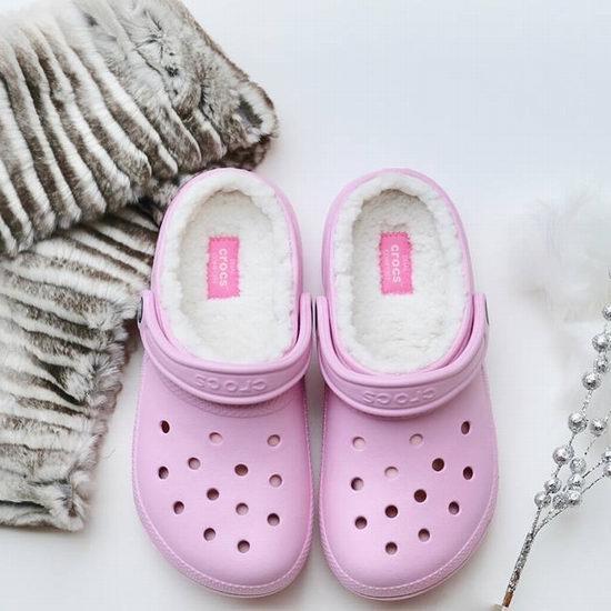 最后一天!Crocs 卡洛驰洞洞鞋 精选成人儿童鞋靴全部25-35加元!额外最高再减20加元!收暖绒拖鞋!