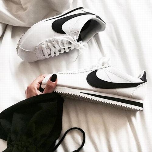 Nike Classic Cortez 阿甘鞋 66.99加元(多色可选),原价 95加元