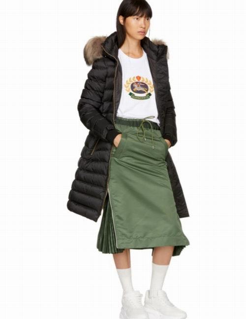 Burberry 巴宝莉 Limefield 长款塑身羽绒服 1960加元(M码),原价 2390加元,包邮