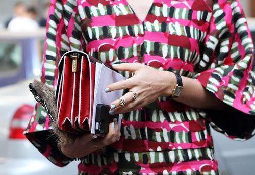 靠颜值成为街霸!精选 Marni风琴包、水桶包、服饰 4.3折起特卖!美包直减 1820加元!