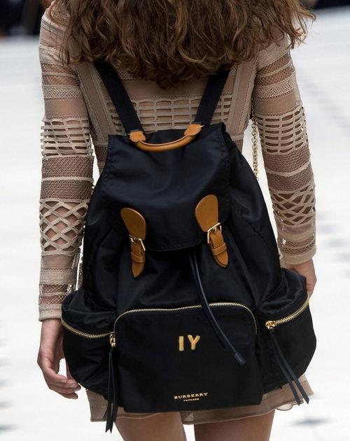 Burberry 经典格子围巾、双肩包、休闲鞋、饰品 6.2折起特卖!