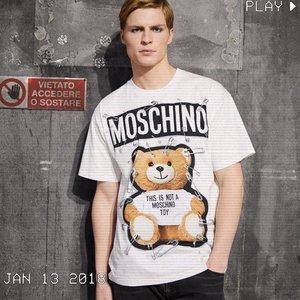 Moschino18年新款明星同款 泰迪熊短袖T恤 情侣装 245加元,原价 285加元,包邮