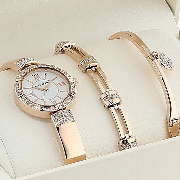 白菜价!Anne Klein AK/3294RGST 玫瑰金 施华洛世奇水晶 女士腕表/手表+手镯套装 66.23加元包邮!金色、玫瑰金2款可选!