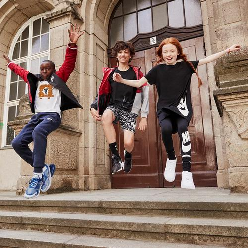 Nike 精选时尚潮款运动服、运动鞋 6折起特卖,部分款低至3折!