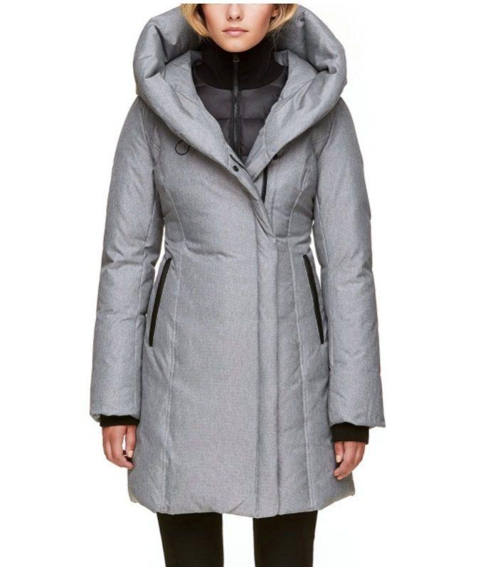SOIA & KYO Camelia 700蓬修身连帽羽绒服 374.39加元,原价 519.99加元,包邮