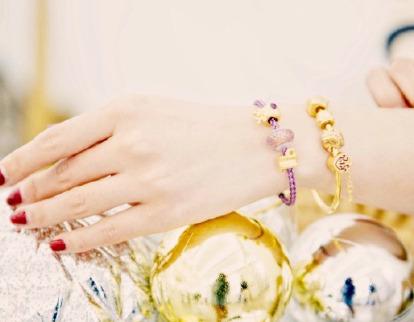 周生生黄金珠宝首饰买2件享受 9折+送红包,入转运珠及12生肖串珠手链 !