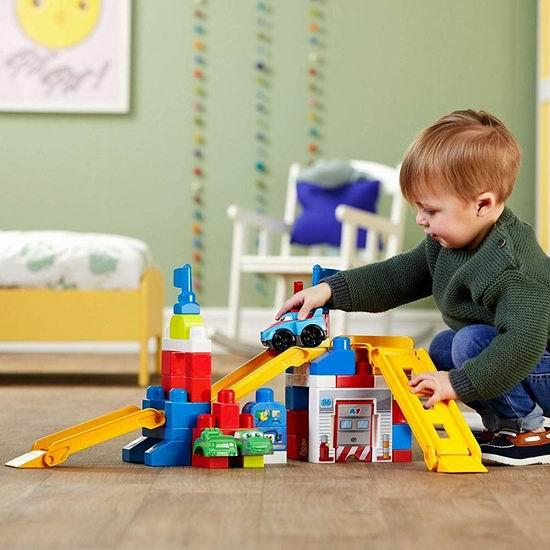 白菜价!历史新低!Mega Bloks Race Car Garage 赛车车库积木玩具套装(60pcs)2.6折 9.87加元清仓!