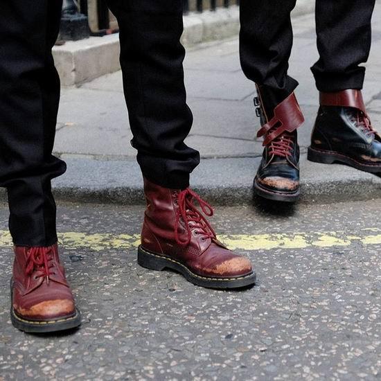 白菜速抢!秋冬新款 Dr.Martens x Kent & Curwen 联名款 10孔男式马丁靴 112.56加元包邮!中国同款2599元!