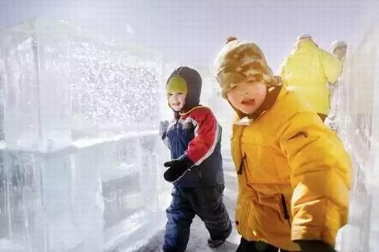 冰雪狂欢、看灯展、泡温泉!加拿大的冬天竟然这么好玩!