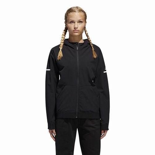 白菜价!历史新低!adidas Squad Woven 男女时尚连帽运动夹克1.8折 14.52加元起!男女各5色可选!