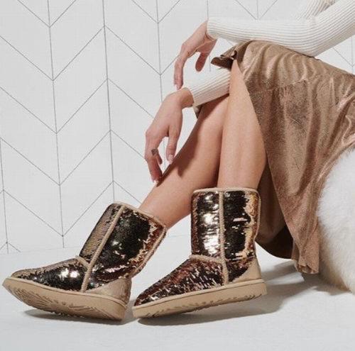 UGG Sequin 经典亮片雪地靴 118.12加元(8码),原价 210加元,包邮