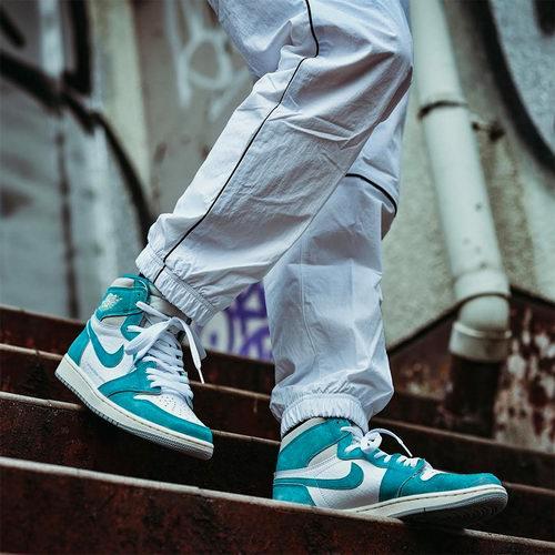 """抢!Nike 耐克 Air Jordan 1 """"Turbo Green"""" 球鞋新色上市 2月15日上午10点发售!"""