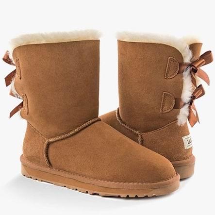 手慢无!UGG Classic Bailey Sheepskin-Lined 双蝴蝶结 女式雪地靴5.6折 154.69加元清仓并包邮!3色可选!