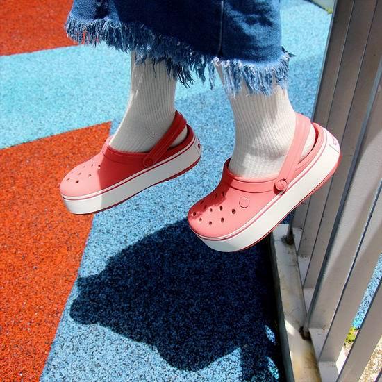 Crocs 卡洛驰 官网大促!精选洞洞鞋、凉鞋、拖鞋5折起+额外6折!内附单品推荐!
